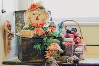 Create Adorable Scarecrow Vignettes