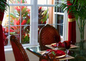 Tropical_dining_room.jpg