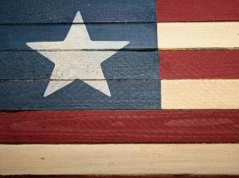 Americana Wooden Flags: Types & How to Use Them