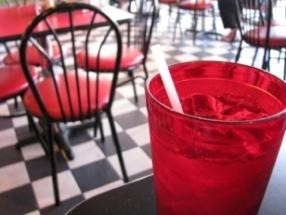 Retro Diner Decor Ideas for a Time-Stopping Space