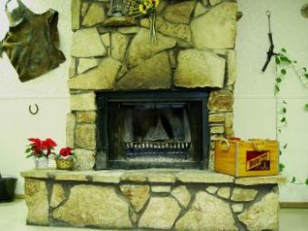 45 Strapping Stone Fireplace Designs & Ideas