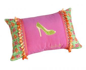 15_Shoe_Pillow_pink_green.jpg