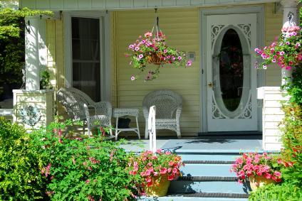Decorating Ideas for a Country-Theme Porch | LoveToKnow