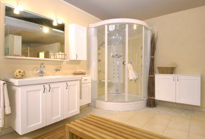 Neutral Tone Master Bathroom