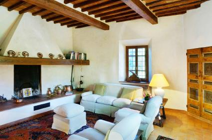 Tuscan style interior design lovetoknow for Interior decorating quizzes