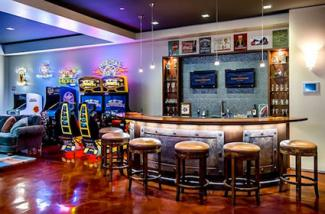 Game room decorating ideas lovetoknow for Room decorating ideas games