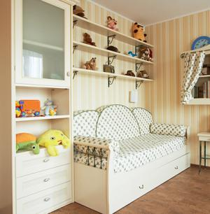 Kids bedroom with shelving