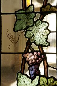 Grape vine stained glass