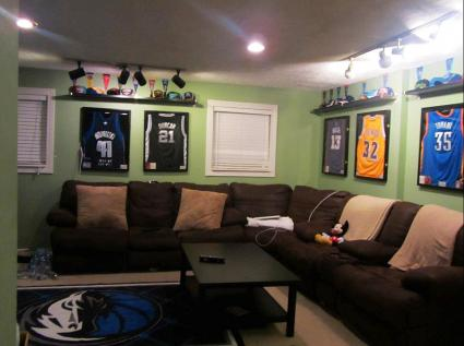NBA/NFL sports theme den