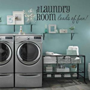 Laundry room decor ideas lovetoknow - Laundry room wall ideas ...