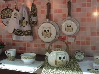 Owl print dinnerware pans