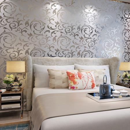 Victorian damask textured wallpaper