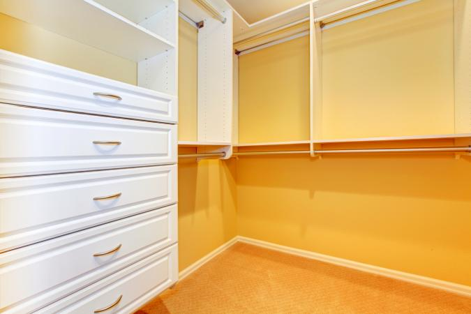 walk in closet with shelve system