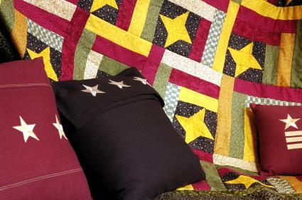 Americana-quilt-with-pillow.jpg