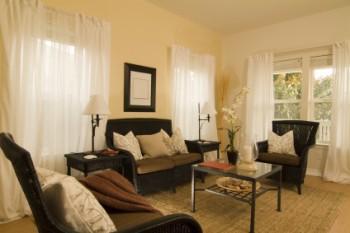 Quaint cottage decor featuring area rug