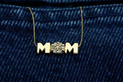 mom-jewelry-slide.jpg