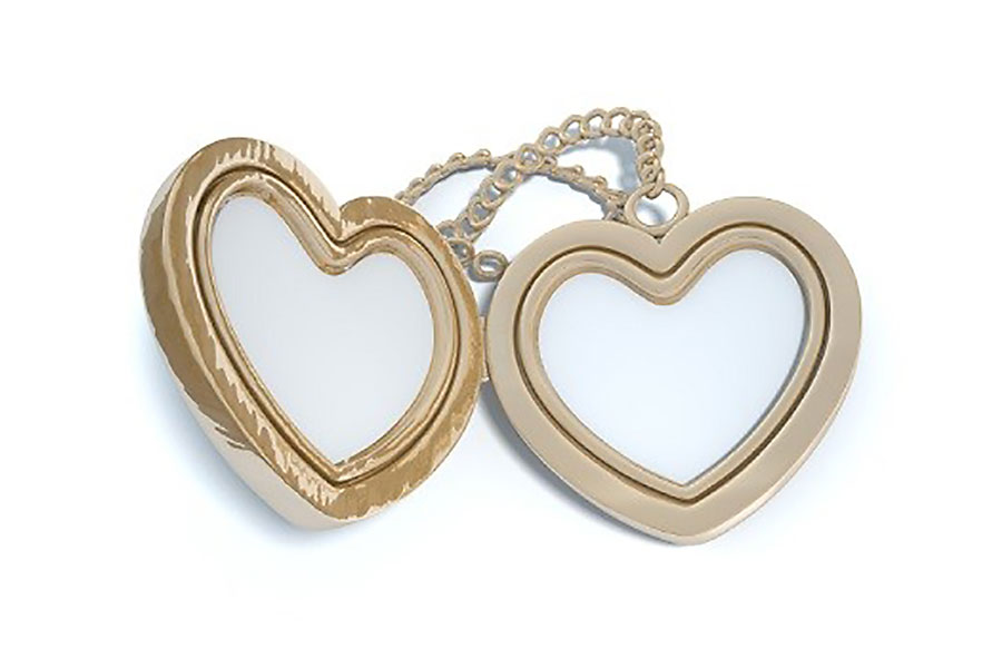 Heart-shaped-locket.jpg