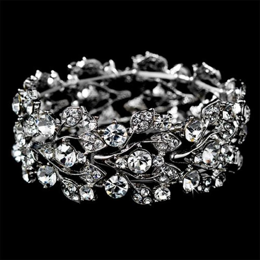 https://cf.ltkcdn.net/jewelry/images/slide/163142-850x850-rhinestone-bracelet.jpg