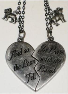 https://cf.ltkcdn.net/jewelry/images/slide/173630-291x400-twilight-quote-pendant.JPG