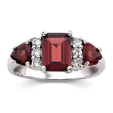 https://cf.ltkcdn.net/jewelry/images/slide/173651-370x370-birthstone-garnet.jpg