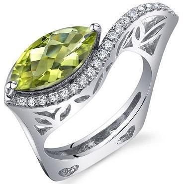 https://cf.ltkcdn.net/jewelry/images/slide/173662-370x370-peridot-birthstone-ring.jpg