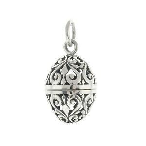 https://cf.ltkcdn.net/jewelry/images/slide/191620-300x300-aromatherapy-filigree-pendant.jpg