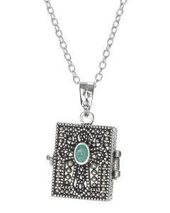 https://cf.ltkcdn.net/jewelry/images/slide/191623-240x300-cross-locket.jpg