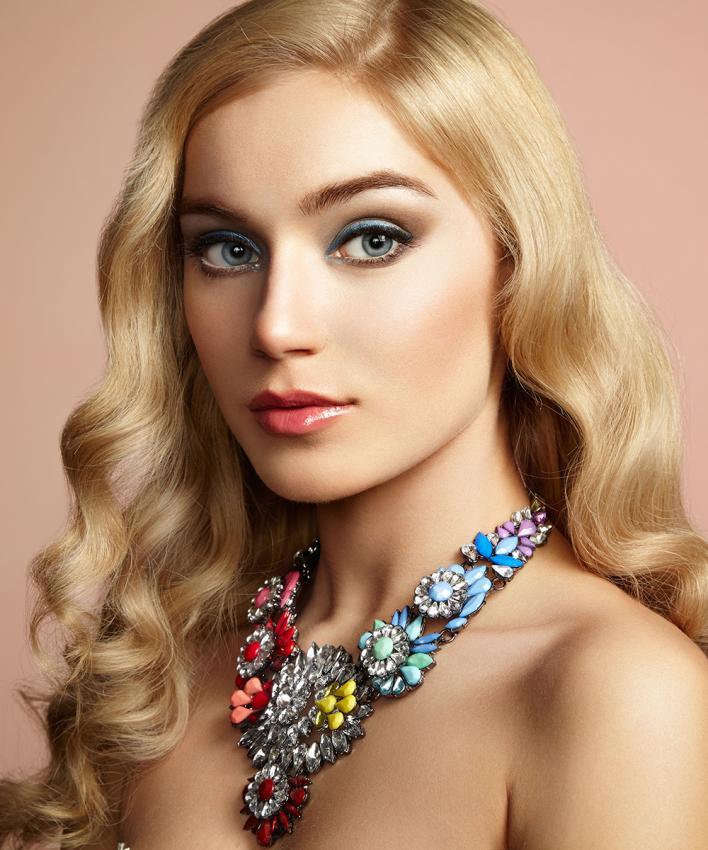 https://cf.ltkcdn.net/jewelry/images/slide/197261-708x850-bold4_floralcrop.jpg