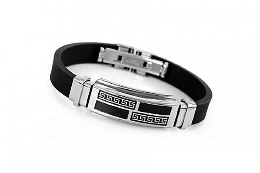 https://cf.ltkcdn.net/jewelry/images/slide/209748-850x567-Metal-Accents-bracelet.jpg