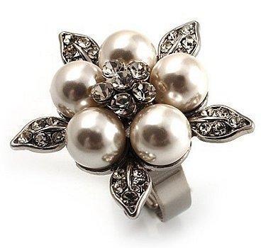 https://cf.ltkcdn.net/jewelry/images/slide/48085-368x350-50spearls7.jpg