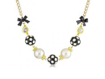 https://cf.ltkcdn.net/jewelry/images/slide/167826-800x600-BetseyJ-Pretty-Polka-Dots-new.jpg