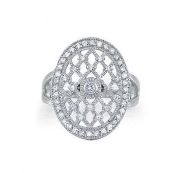 https://cf.ltkcdn.net/jewelry/images/slide/173622-400x400-twilight-bella-engagement.jpg