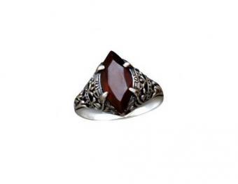 https://cf.ltkcdn.net/jewelry/images/slide/173625-518x400-twilight-blood-ring.jpg