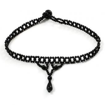 https://cf.ltkcdn.net/jewelry/images/slide/173631-400x400-gothic-choker.jpg