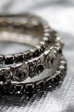 Halloween Jewelry Ideas: 13 Spooky Season Styles