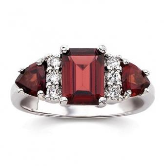 https://cf.ltkcdn.net/jewelry/images/slide/173651-370x370-birthstone-garnet.jpg