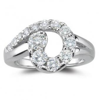 https://cf.ltkcdn.net/jewelry/images/slide/173657-370x370-diamond-journey-ring.jpg