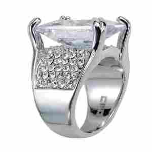 https://cf.ltkcdn.net/jewelry/images/slide/173761-300x300-cubic-zirconia-cocktail-ring.jpg