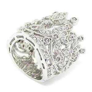 https://cf.ltkcdn.net/jewelry/images/slide/173764-300x300-bezel-set-cocktail-ring.jpg