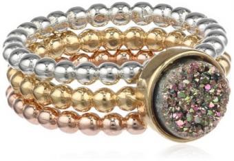https://cf.ltkcdn.net/jewelry/images/slide/173765-436x300-stacking-ring.jpg
