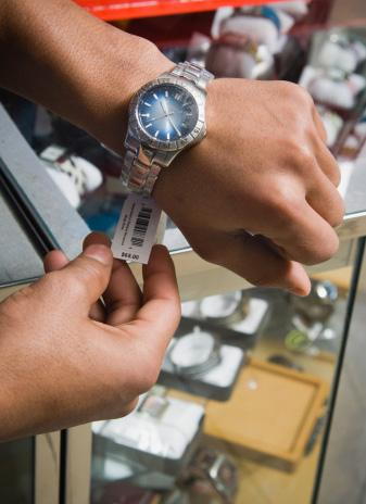 12 Tips for Buying a Men's Wristwatch