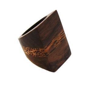 https://cf.ltkcdn.net/jewelry/images/slide/191611-300x300-chunky-wood-ring.jpg