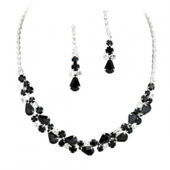 https://cf.ltkcdn.net/jewelry/images/slide/191755-500x500-black-prom-jewelry-set.jpg