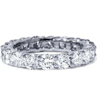 https://cf.ltkcdn.net/jewelry/images/slide/191845-350x350-eternity-ring.jpg