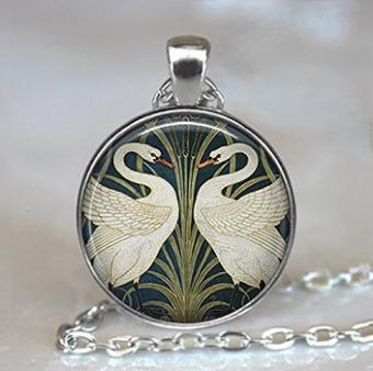 https://cf.ltkcdn.net/jewelry/images/slide/191848-352x350-swans.jpg