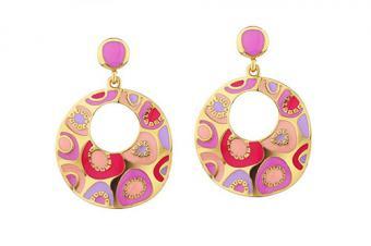 https://cf.ltkcdn.net/jewelry/images/slide/209425-500x333-Retro-earrings.jpg