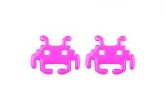 https://cf.ltkcdn.net/jewelry/images/slide/209428-500x333-Retro-Alien-Stud-Earrings.jpg