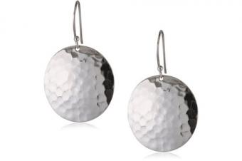 https://cf.ltkcdn.net/jewelry/images/slide/209466-500x333-Hammered-disc-earrings.jpg