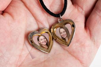Jewelry for Mothers With Twins They'll Cherish