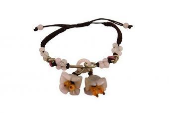https://cf.ltkcdn.net/jewelry/images/slide/209923-850x567-Hand-Tied-Natural-Jade-Bell-Flower-Bracelet.jpg